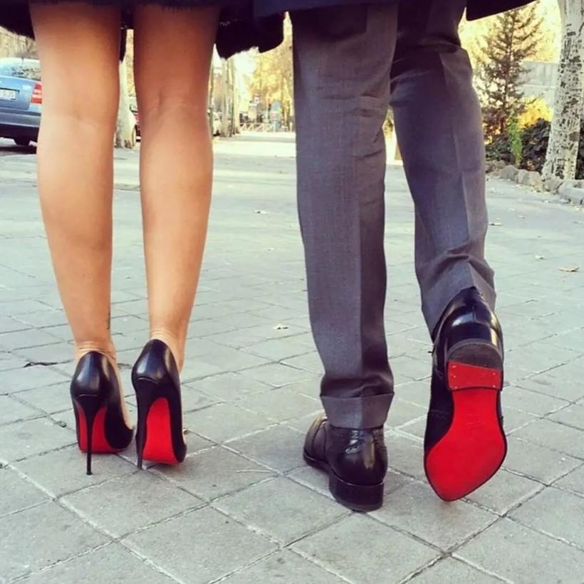 Прикольные картинки девушек на каблуках